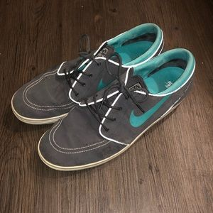 Men's - Nike Stefan Janoski shoes- size 13